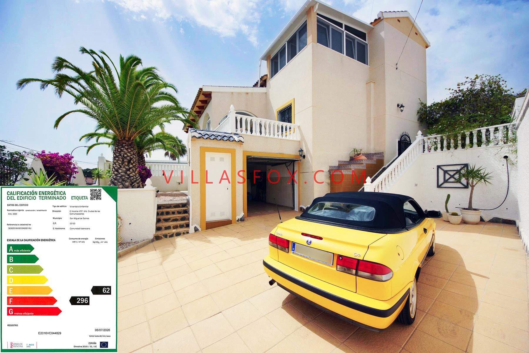 Vila separată de lux cu 4 dormitoare, cu piscină și garaj, San Miguel de Salinas