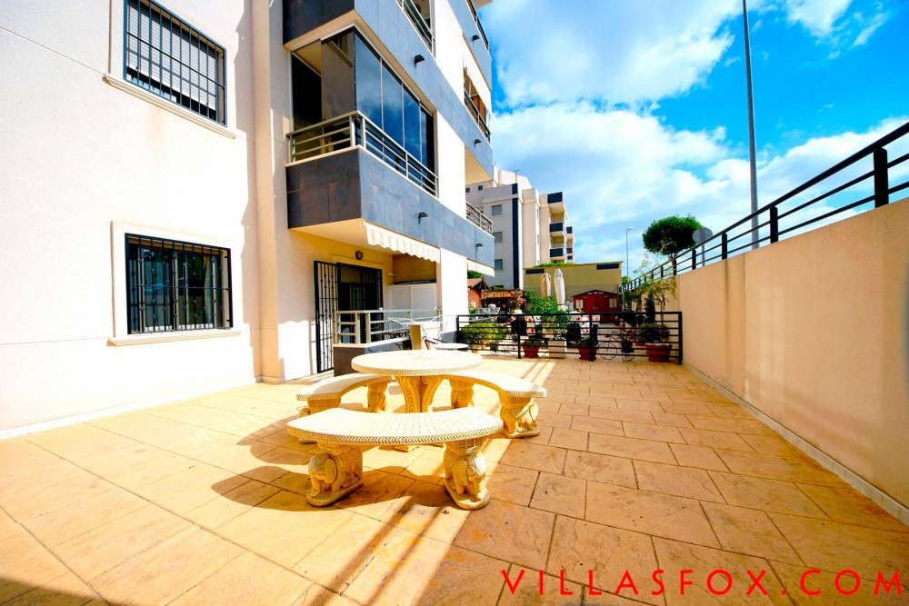 Residencial Angelina, San Miguel de Salinas, apartament la parter cu grădină cu patio