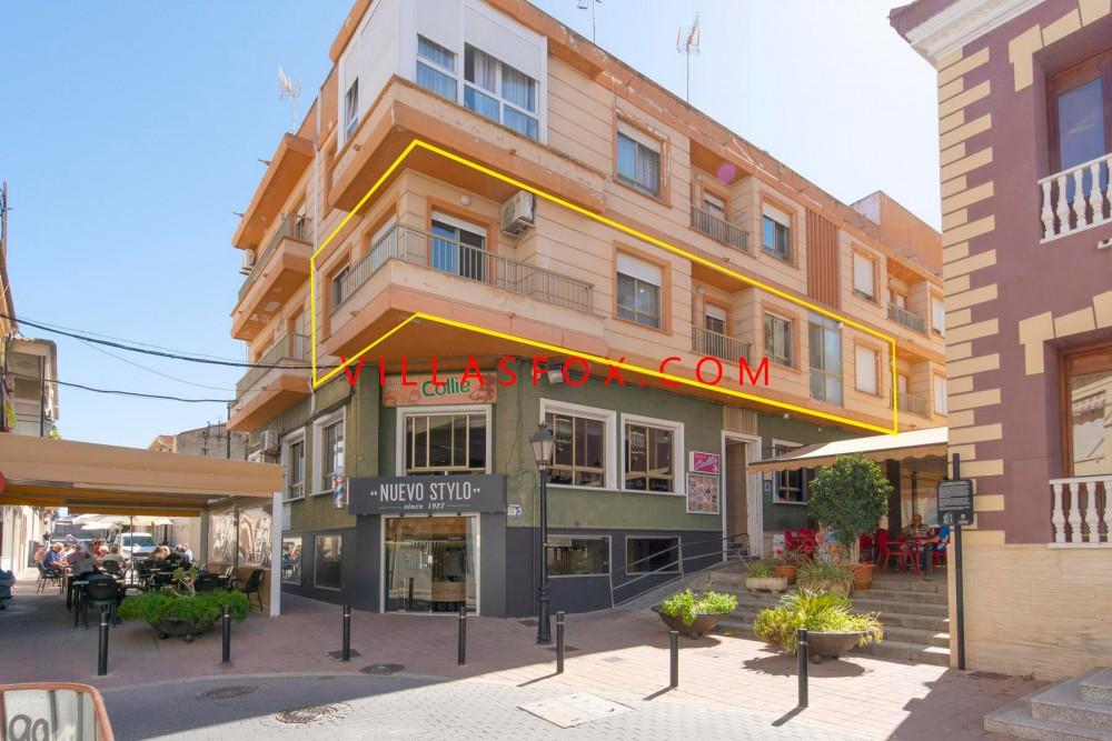 Appartement 3 chambres dans le centre-ville de San Miguel avec de superbes vues!