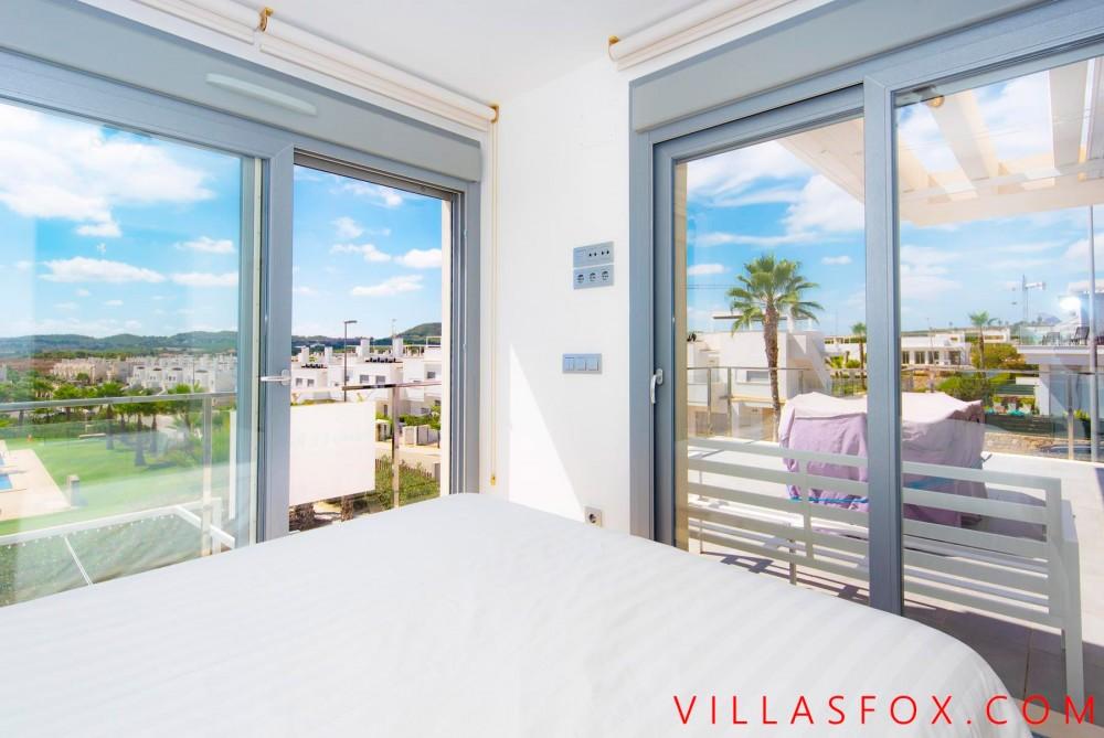 Vistabella Golf attico con solarium privato, 3 camere, 2 bagni