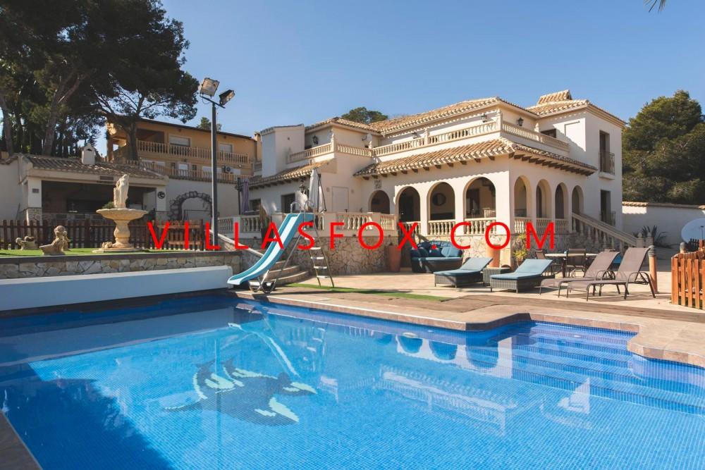 Vila de lux cu 6 dormitoare Orihuela Costa, cu saună, lift, piscină pe