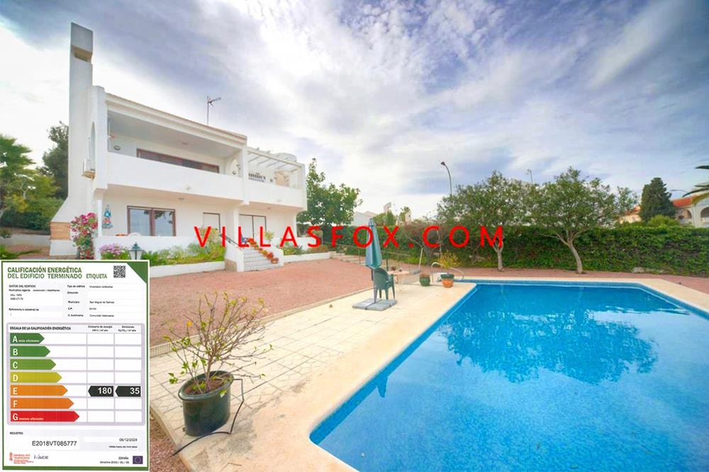4-bedroom detached villa on 2 levels, 875 m2 plot, Las Comunicaciones