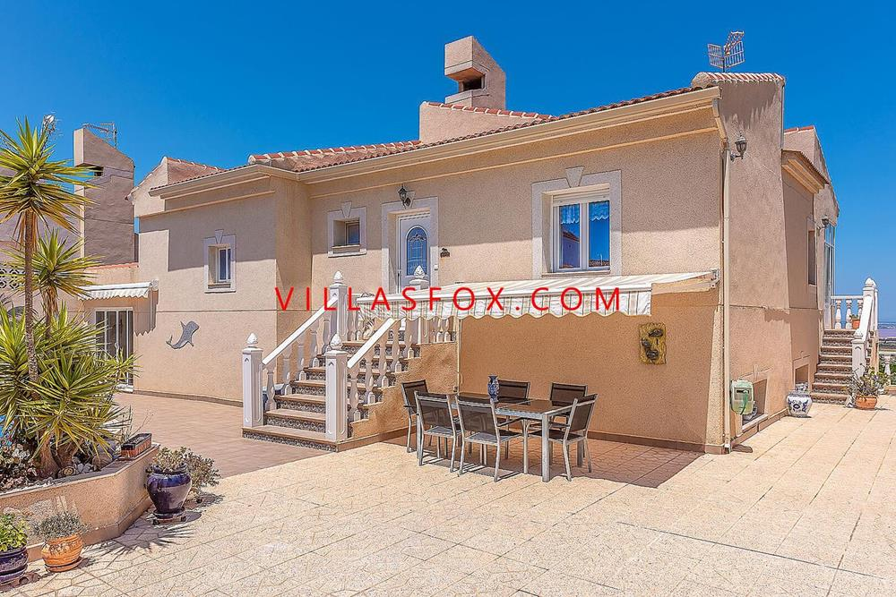 4-bedroom large villa on 2 levels with AMAZING views! Comunicaciones, San Miguel de Salinas