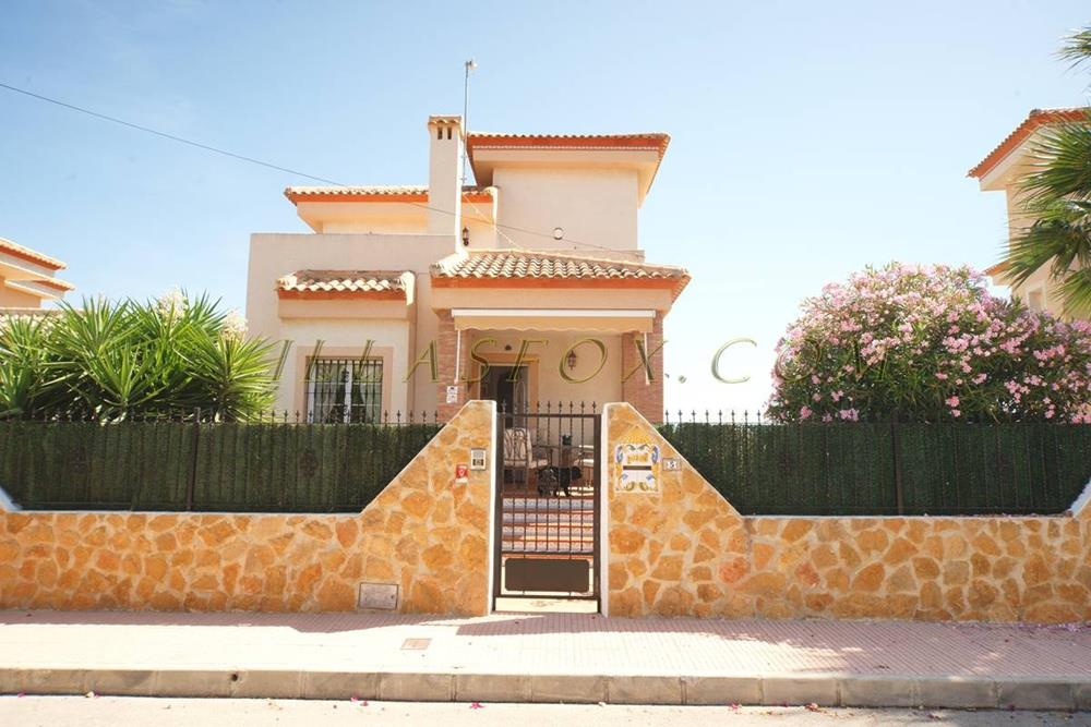 3-bedroom, 2-bathroom luxury villa with pool, Torrestrella, San Miguel de Salinas