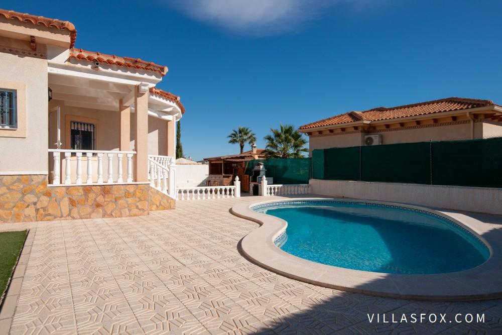 Villasmaría frittliggende villa på ett plan, Las Comunicaciones, San Miguel de Salinas