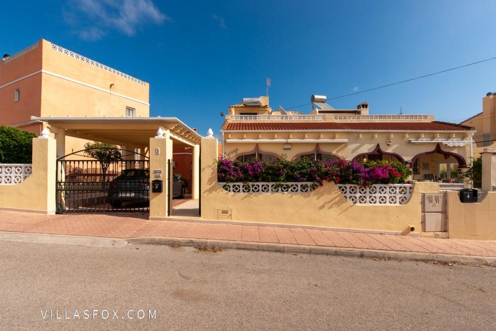 Balcón de la Costa Blanca 3-roms villa med hage og parkering