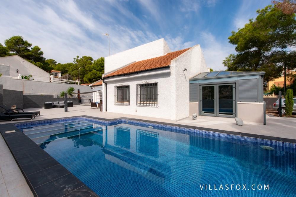 Las Comunicaciones 3-roms villa med basseng og vinterhage