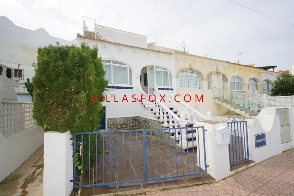 Balcón de la Costa Blanca - 3 bed, 2 bath semi-detached villa with large garden