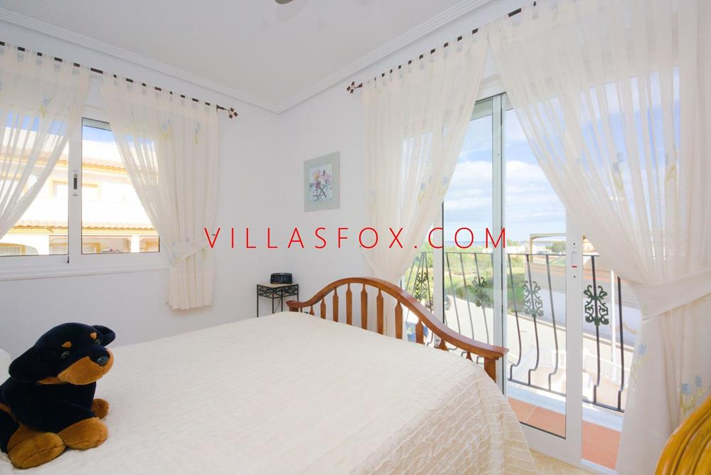 3-bedroom, 2-bathroom luxury apartment with garage, San Miguel de Salinas