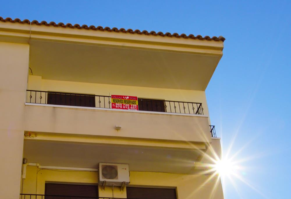 3 bedroom, 2 bathroom apartment in San Miguel de Salinas now only 69,000 euros