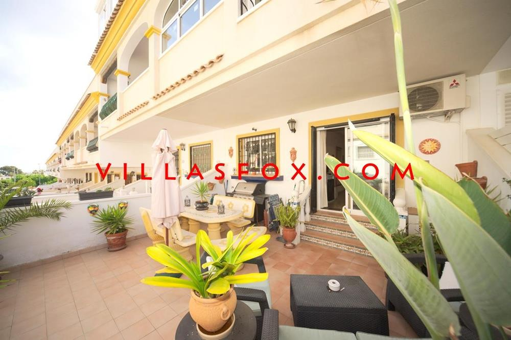 4 bedroom 3 bathroom duplex apartment in San Miguel de Salinas centre