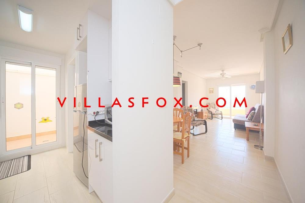 Modern 2-bedroom apartment with great views, San Miguel de Salinas town centre
