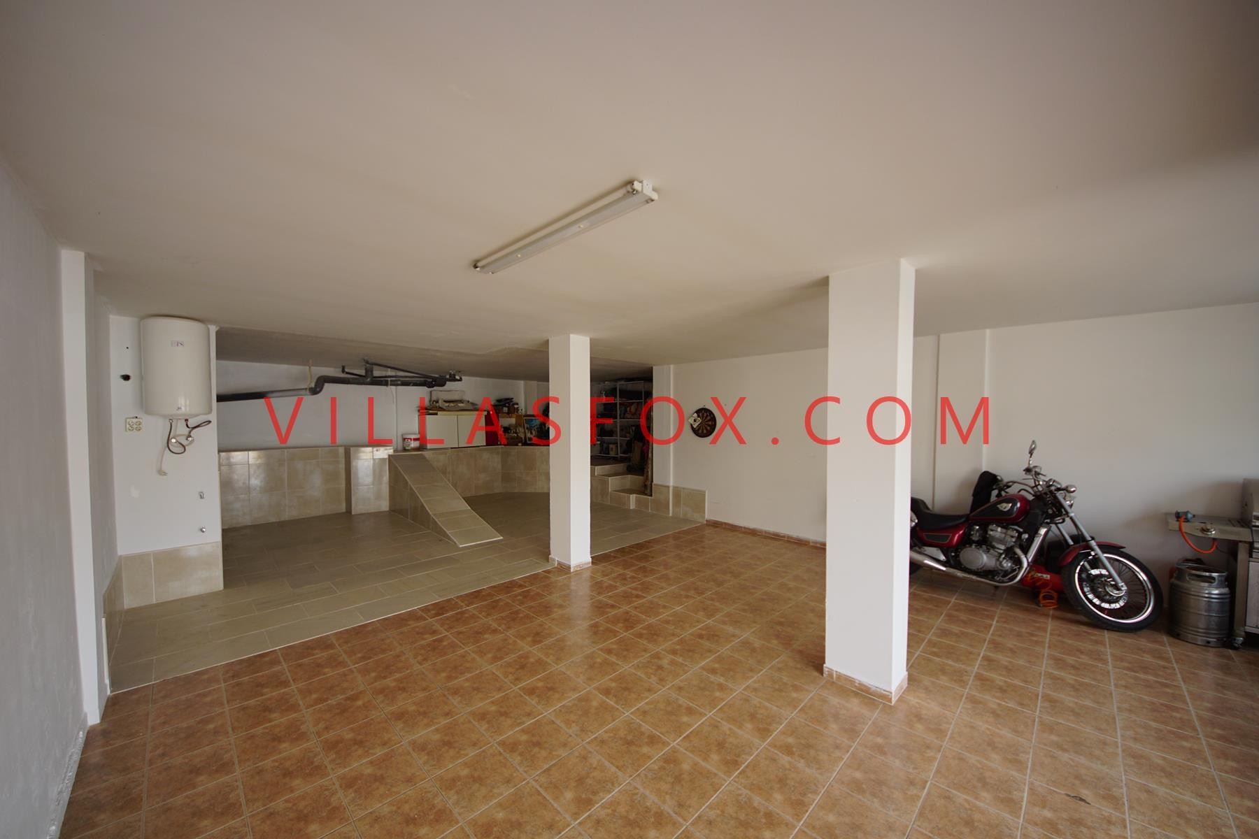 3 bedroom detached villa with large garage, communal pool, Orihuela Costa