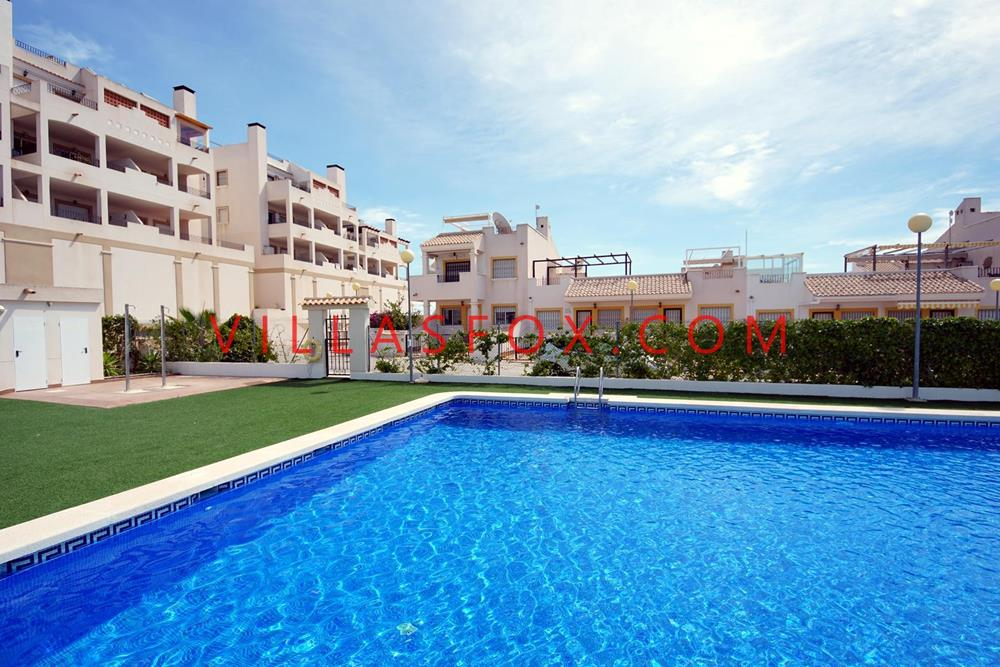 2-bedroom, 2-bathroom luxury apartment, Laguna Green, Entre Naranjos