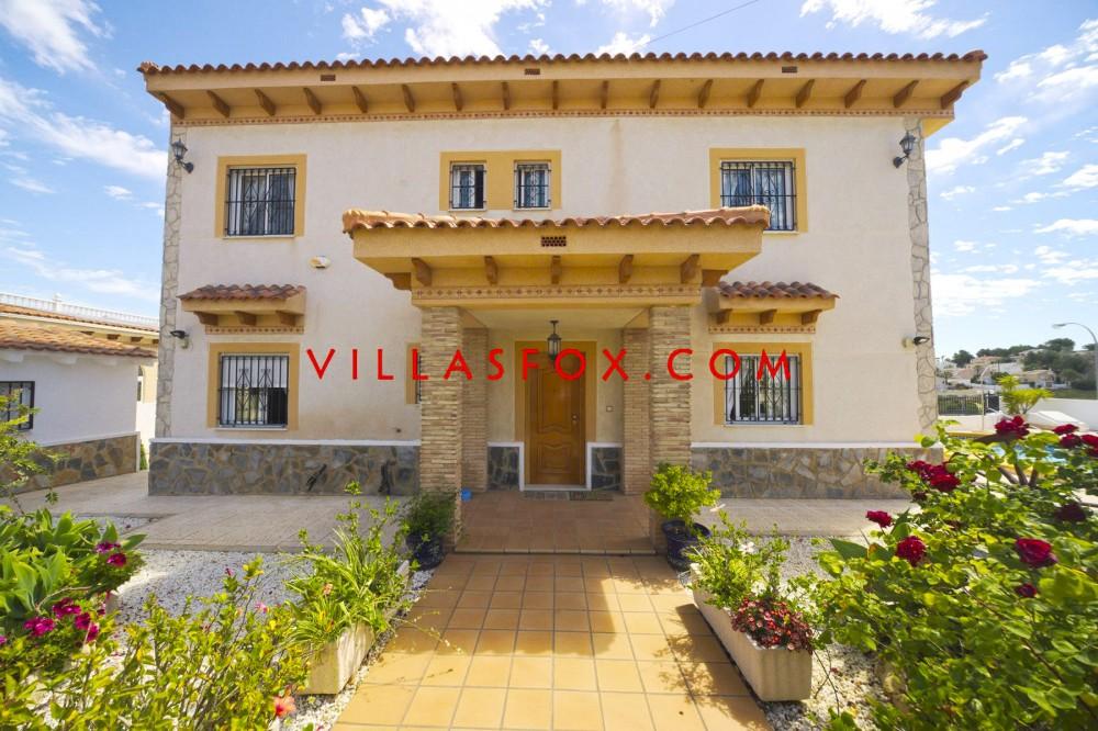 Villasmaría (San Miguel de Salinas) 6-svefnherbergja lúxus einbýlishús á stórum lóð með samfleytt útsýni