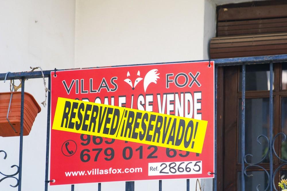 Apartamento de 2 quartos no primeiro andar de San Miguel de Salinas voltado para o sul com terraço ao ar livre