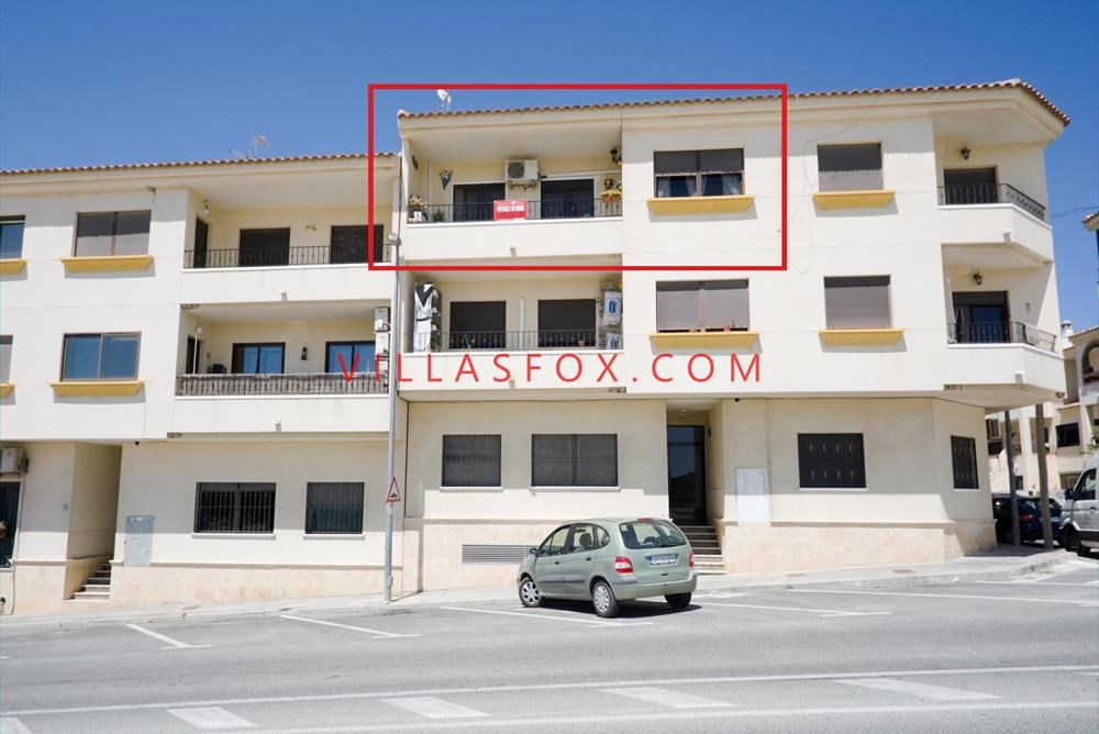 3-bedroom, 2-bedroom apartment, San Miguel de Salinas town centre
