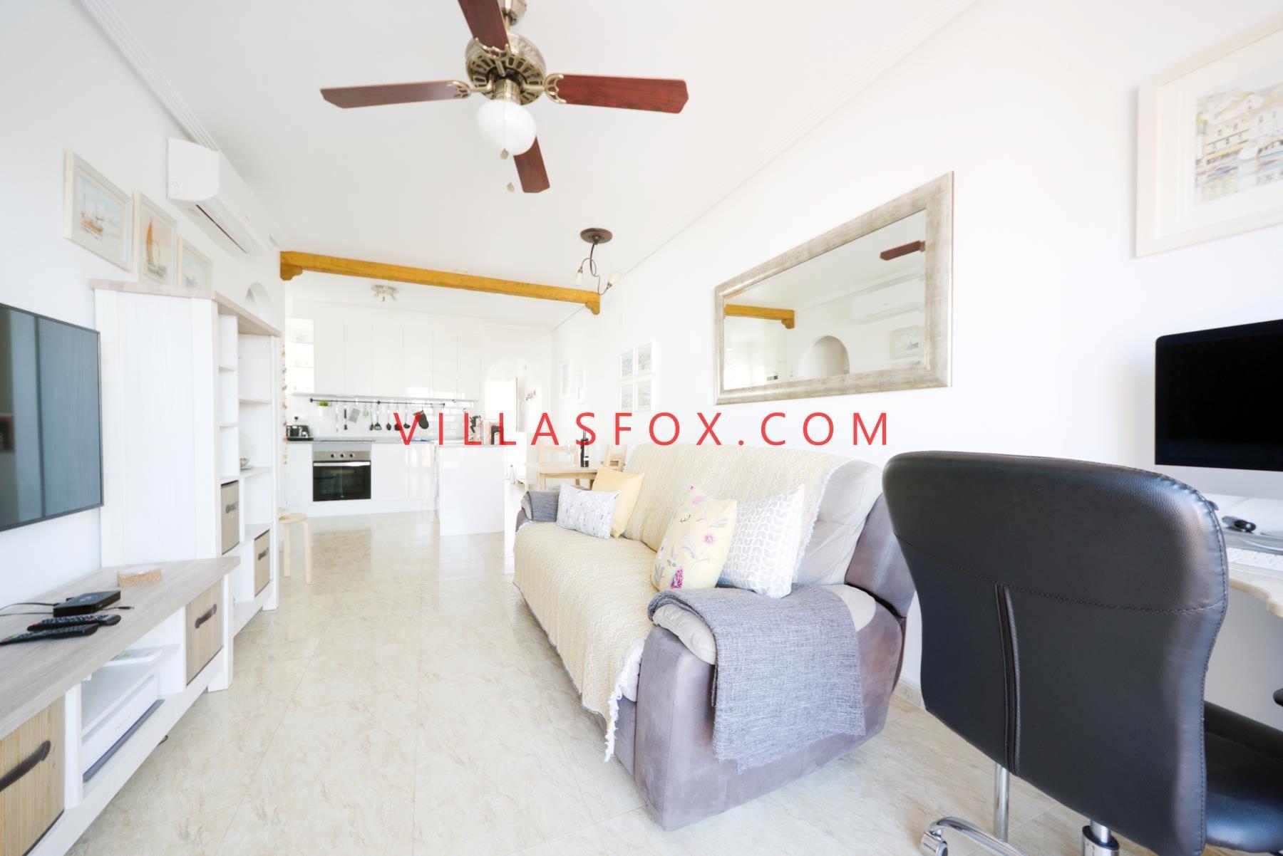 2-bedroom top-floor apartment with private solarium and garage, San