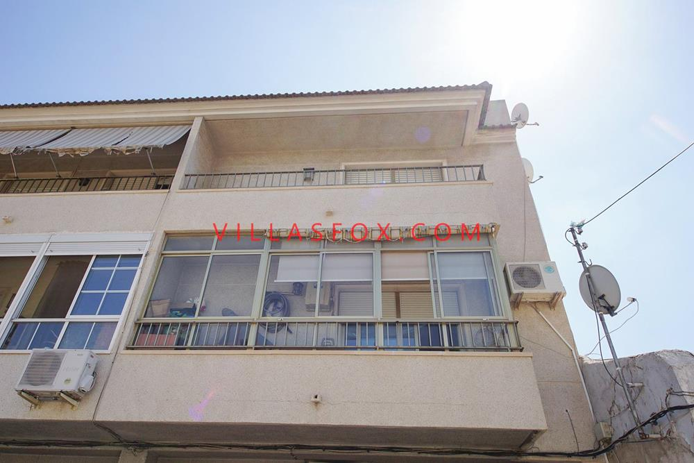 4-bedroom, 2-bathroom, top-floor apartment, San Miguel town centre