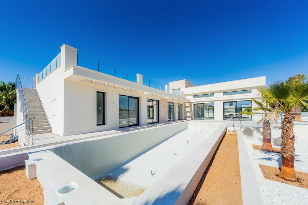 4-roms, 4 baders ultramoderne luksuriøs villa på 285m2 på en 1,099 m2 tomt, Los Balcones