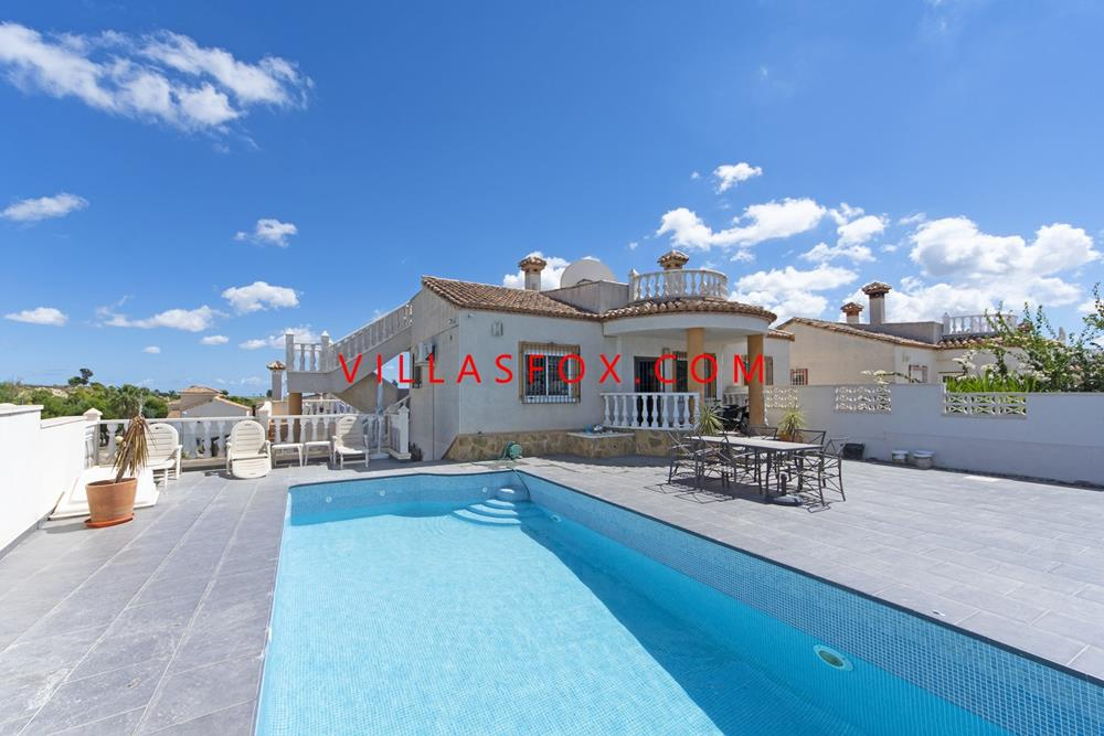 Lakeview Mansions 3-bedroom villa with private pool, San Miguel de Salinas