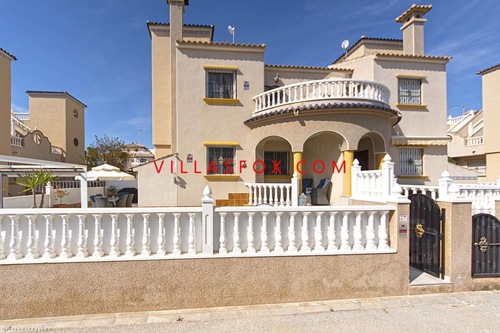 Frábær 3 svefnherbergja Lomas de Cabo Roig fjórbýlishús