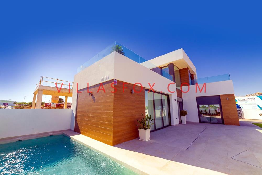 3-bedroom, 2-bathroom detached villas with pool, La Herrada, Los Montesinos