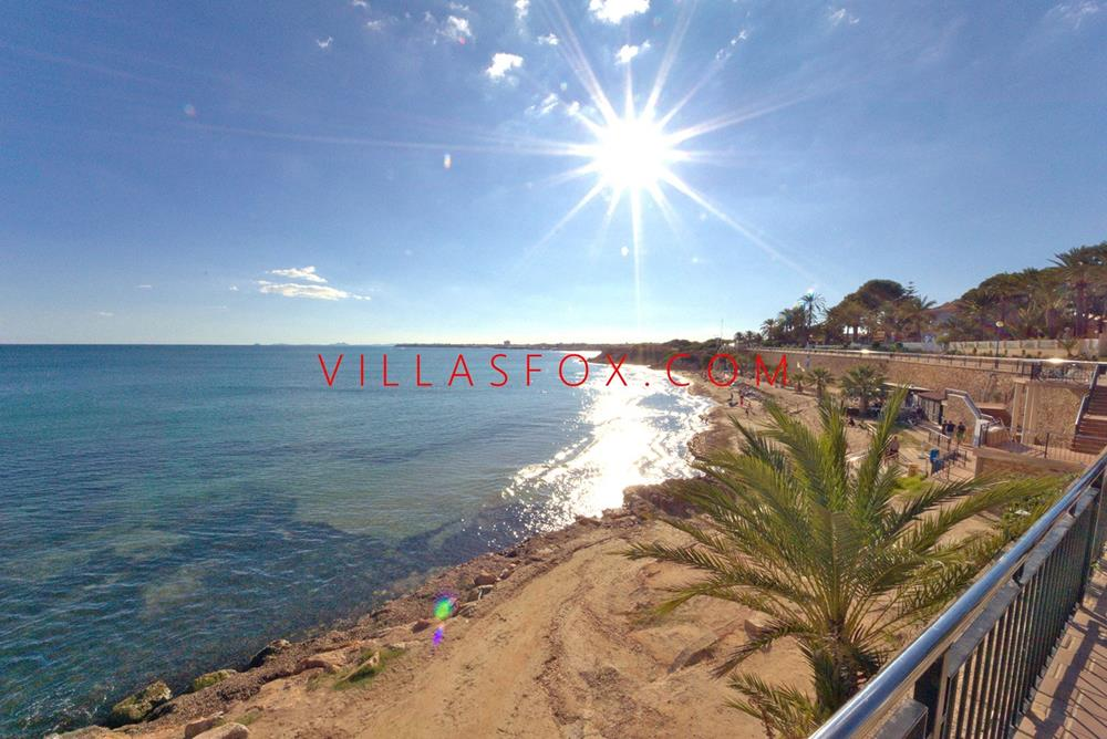 San Miguel de Salinas penthouse apartment with spectacular views, large terraces, communal pool