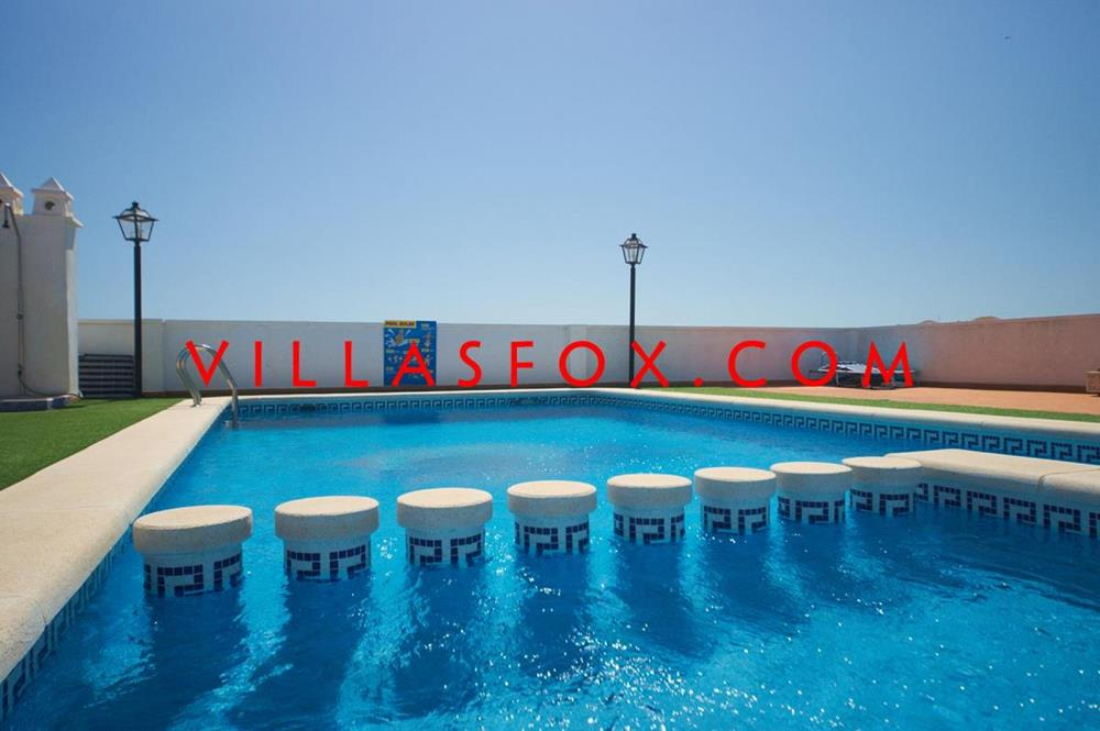 San Miguel de Salinas top floor apartment with private solarium and garage