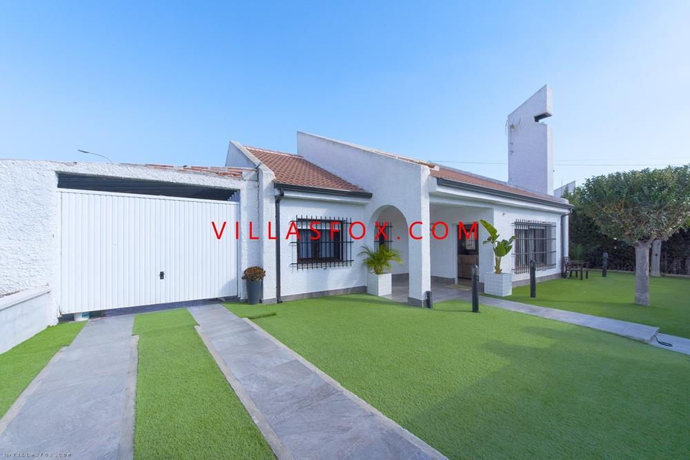 Las Comunicaciones villa independiente de 3 dormitorios con piscina privada, San Miguel de Salinas