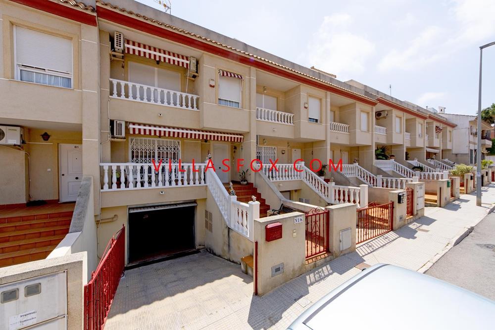 Maison de ville 4 chambres à San Miguel de Salinas avec garage