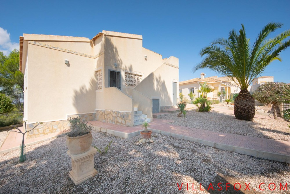 Las Comunicaciones, San Miguel villa til salgs på ett plan med garasje og basseng