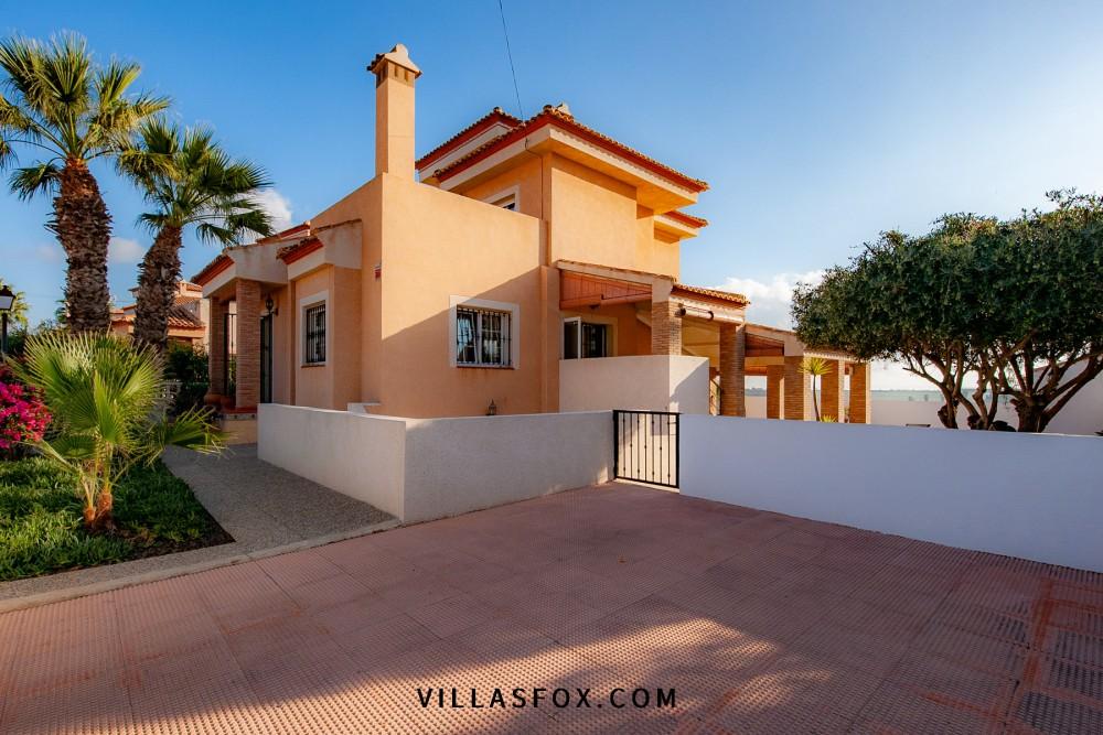Torrestrella fristående villa med pool och byggnad till salu