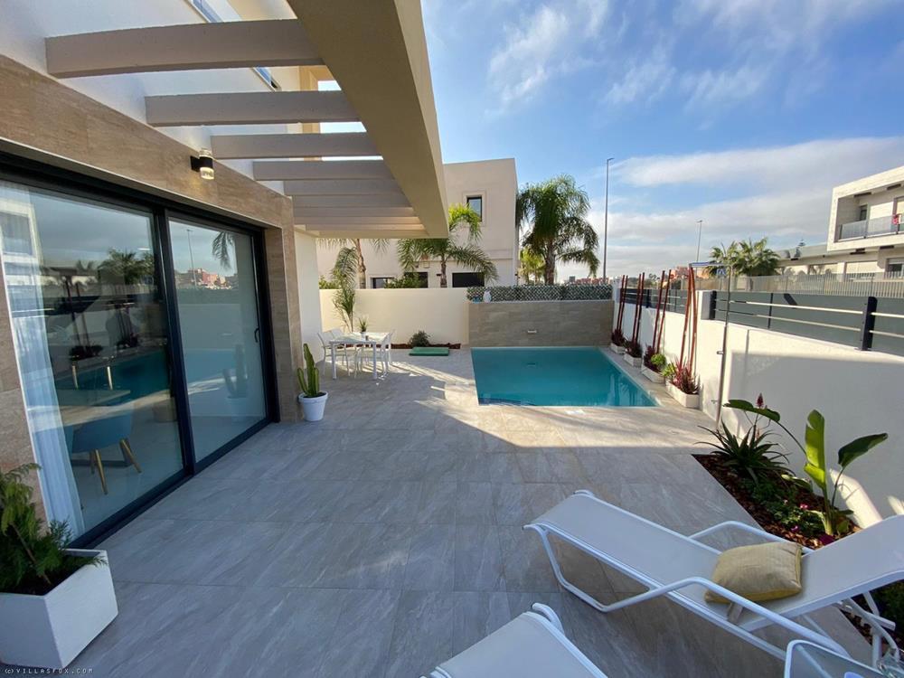 3 Schlafzimmer, 3 Bäder Luxus Neubau, Los Montesinos