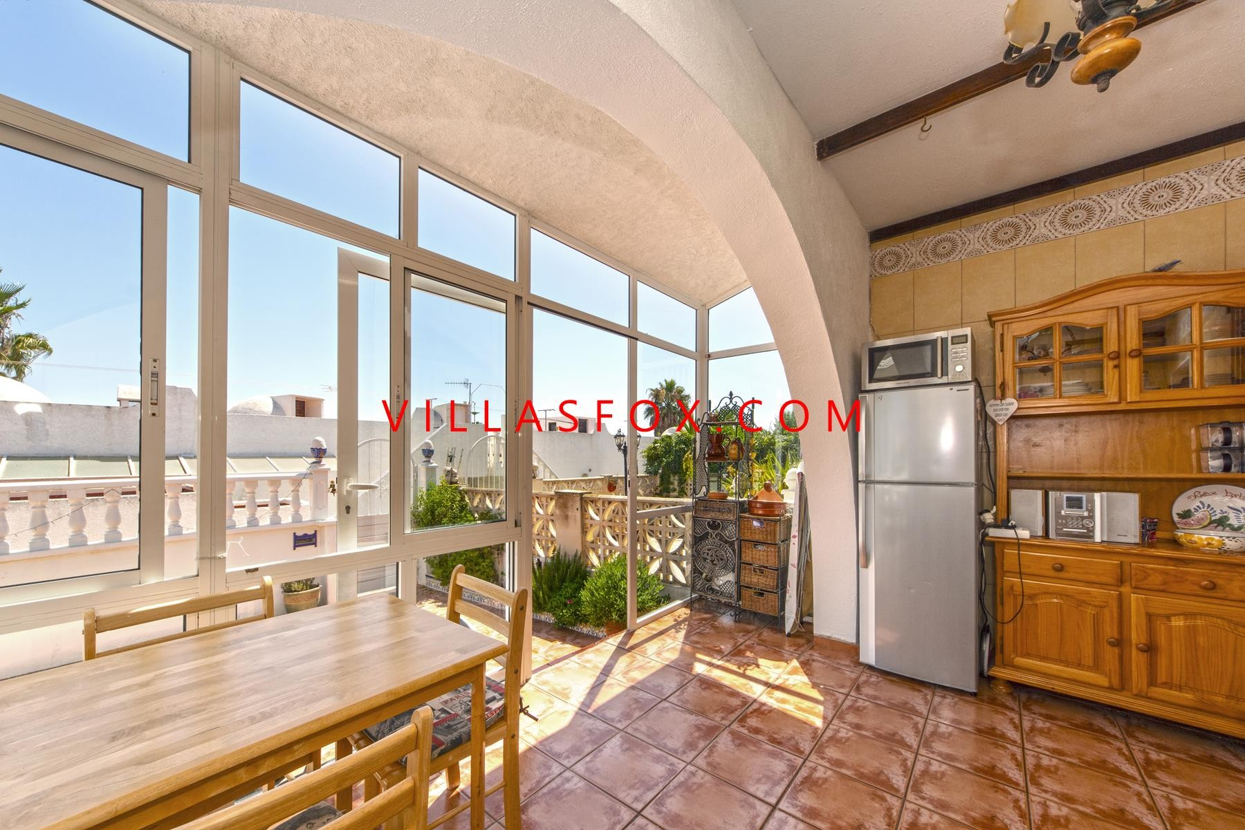 منزل بلو لاجون للبيع ، سان ميغيل دي ساليناس (حديقة ومقصورة تشمس اصطناعي وإطلالات رائعة!)