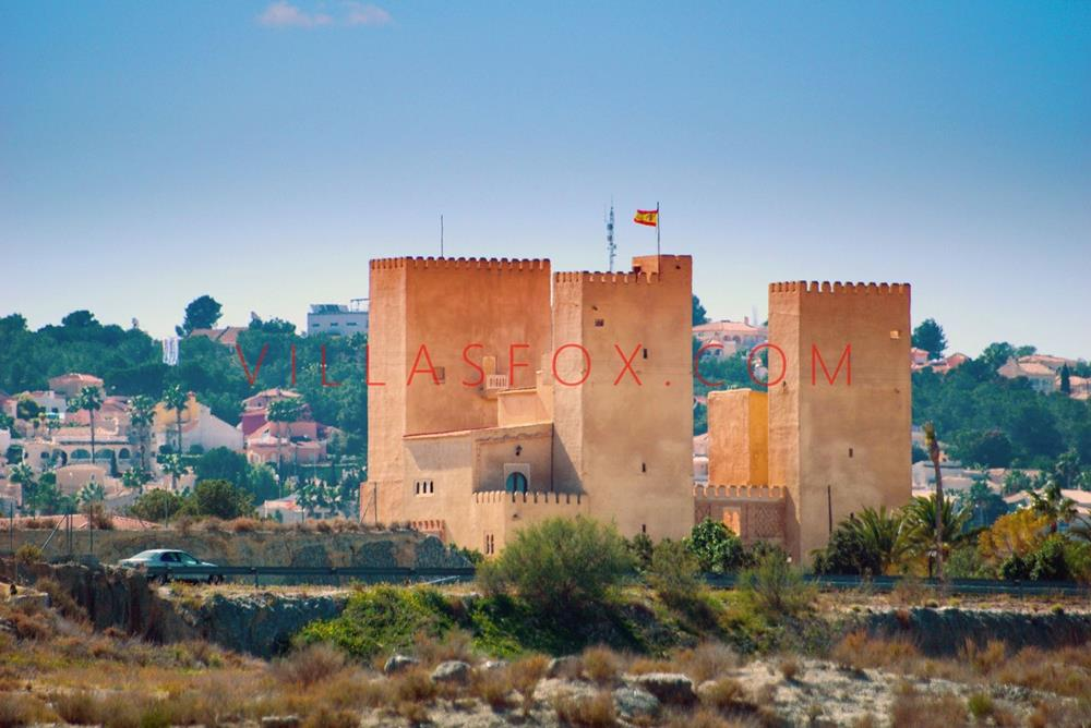 4-bedroom, 2-bathroom luxury apartment, San Miguel de Salinas town centre