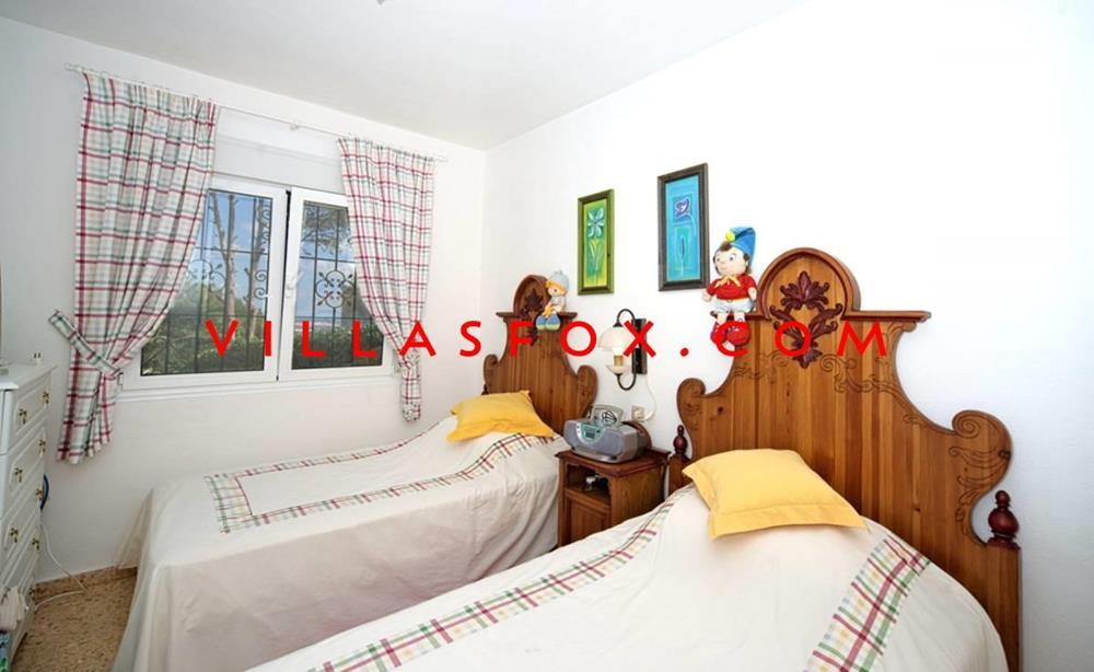 فيلا Las Comunicaciones من 3 غرف نوم مع مسبح على قطعة أرض كبيرة
