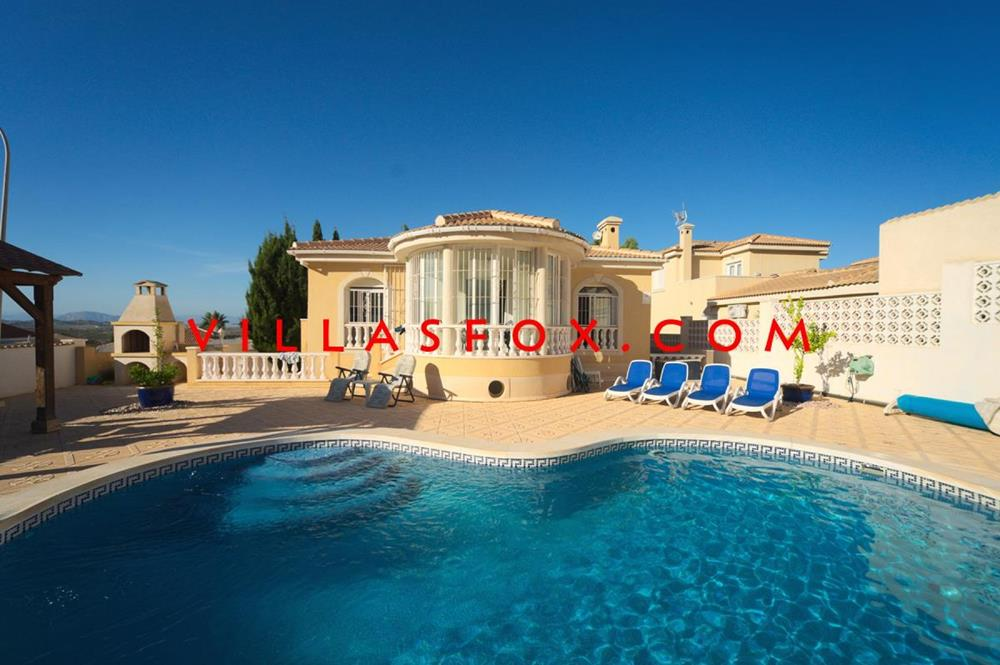 5-bedroom villa on two levels, Las Comunicaciones, San Miguel de Salinas