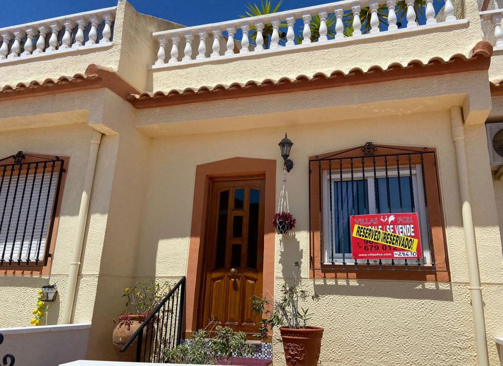 Maison de ville San Miguel de Salinas, Puerta Laguna I, Balcón de la Costa Blanca