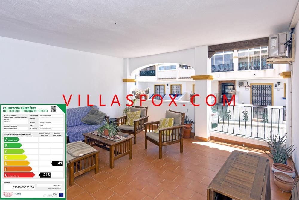 Apartament cu 2 dormitoare, situat la parter, cu vedere spre sud, San Miguel de Salinas cu terasă mare