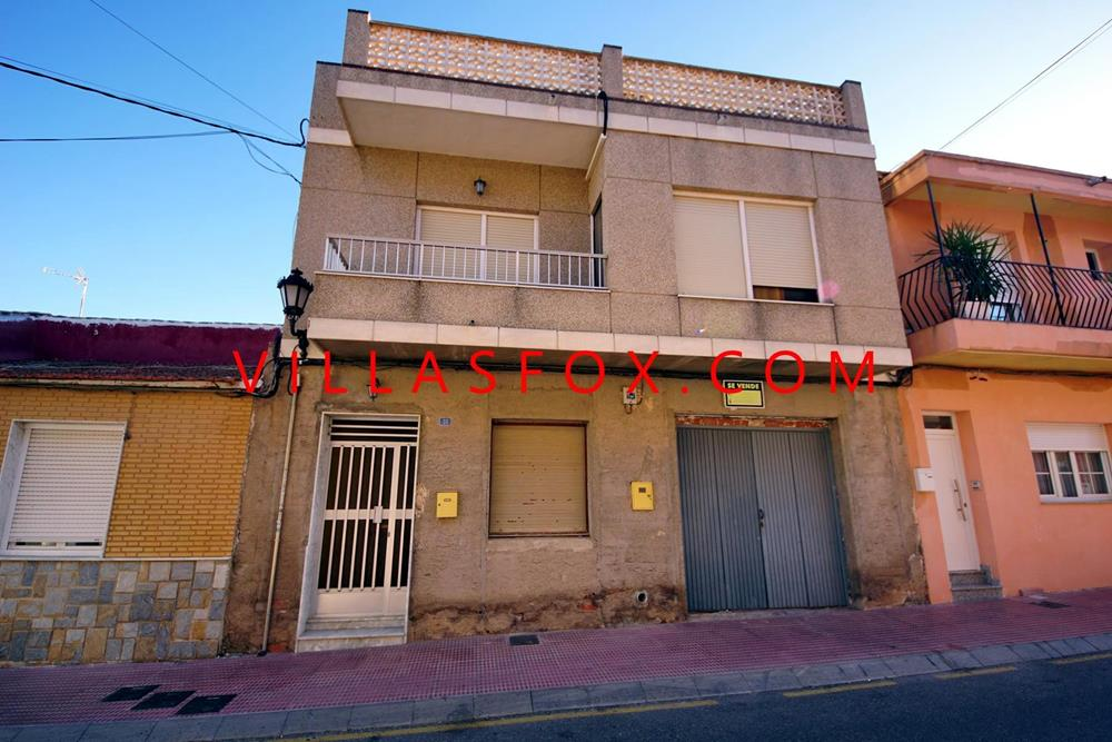 San Miguel de Salinas 3-bedroom townhouse with garage and 2 solariums